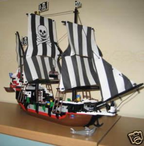 The Lego Pirates Strike Back   Bilgemunky com